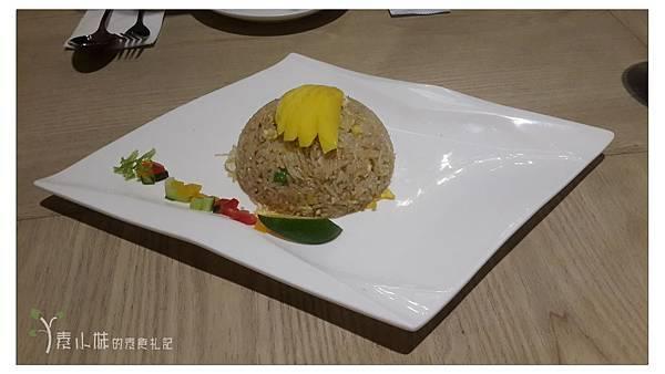 香芒薑炒飯 Bug & Bee 泰式創意料理 素食篇食記 康熙來了美食推薦 (葷食皆有) 拷貝.jpg
