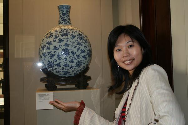 與中國瓷器拍很對味