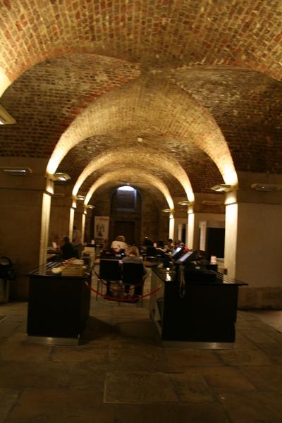 聖馬丁教堂地下室的餐廳, 感覺很不錯