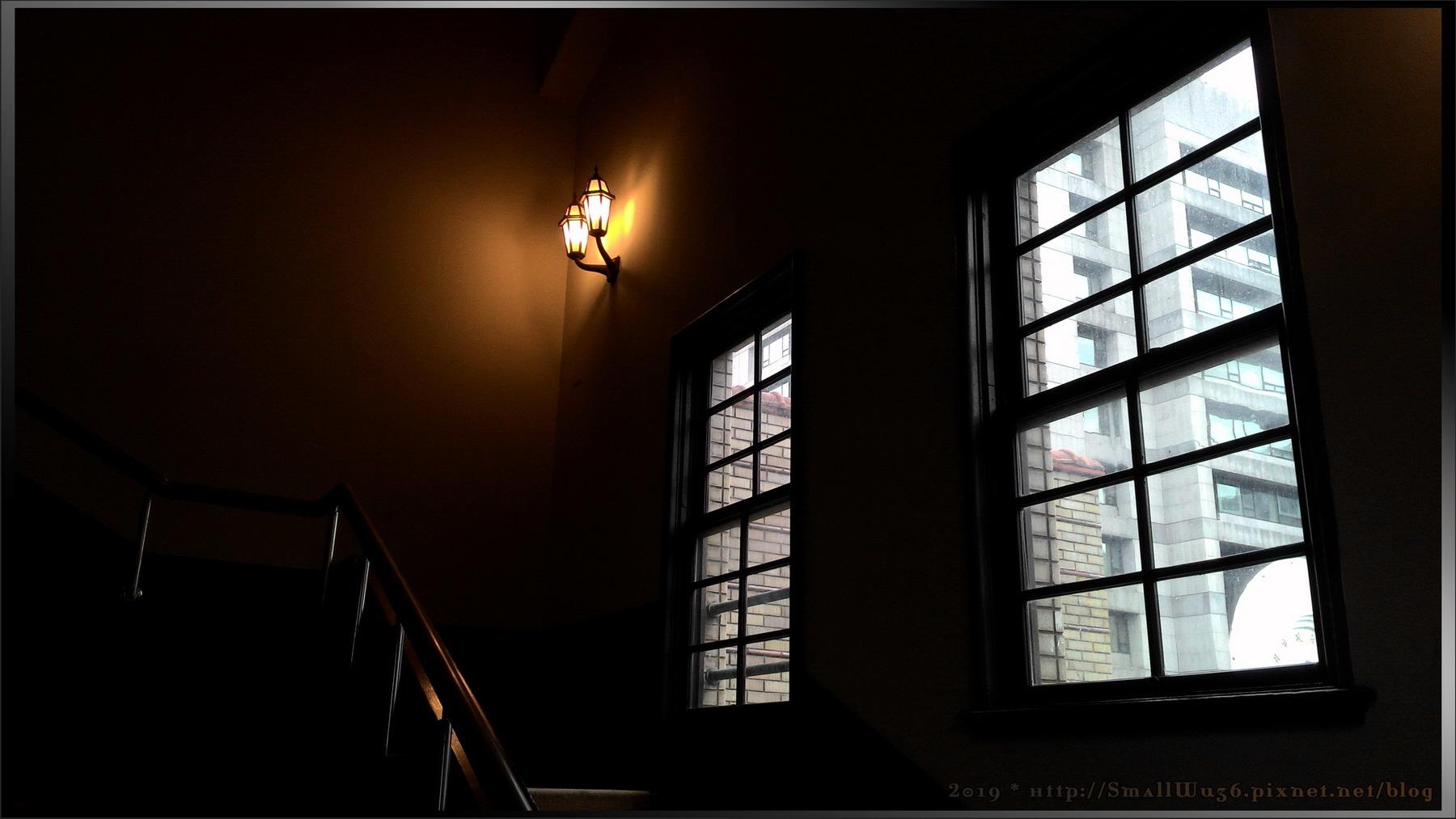 2019-台北市中山堂-頂樓(集水系統), 樓梯間(古蹟窗戶)-02.jpg