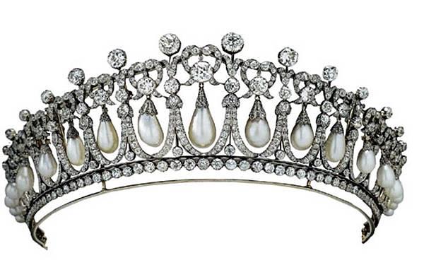 cambridge-lovers-knot-tiara-