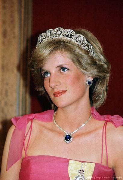1-princess-diana-spencer-tiara-preen