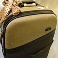 第一次帶這麼大行李箱.JPG