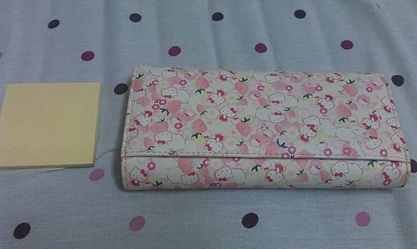 Hello Kitty淺色皮夾