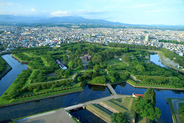 1024px-Hakodate_Goryokaku_Panorama_1.jpg