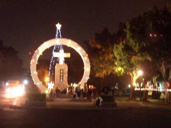 ※ 05.12-  配合80週年校慶-來顆聖誕樹吧!