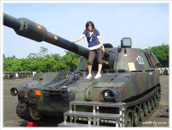 第一次跟坦克這麼接近