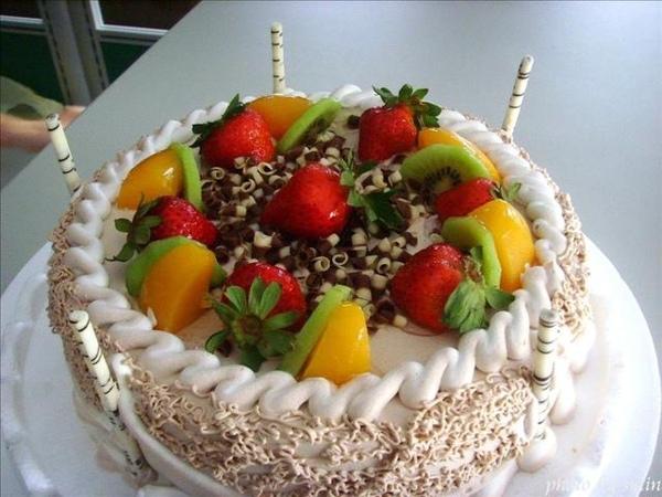 驚喜的生日蛋糕