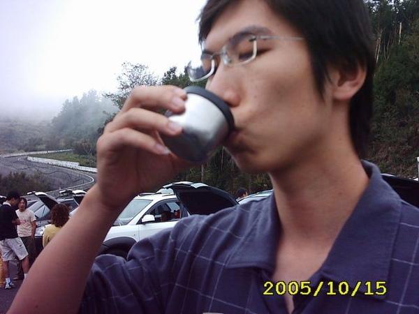 山頂上的熱咖啡~