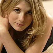 Jodie Whittaker6.jpg