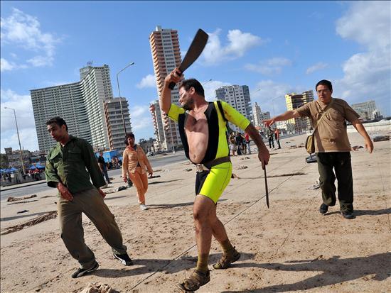Una-revolucion-de-zombis-llegara-a-Cuba-con-la-comedia-Juan-de-los-muertos-