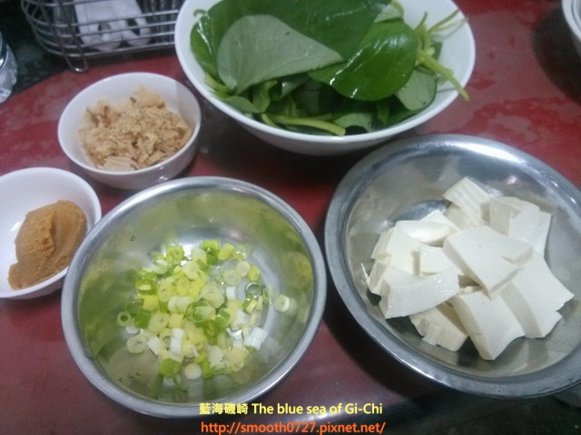 地瓜葉豆腐味增湯