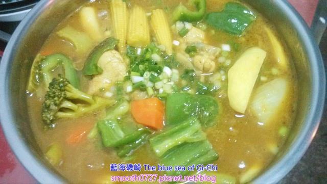 日式野菜嫩雞湯咖哩