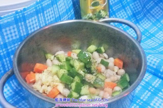 花生拌小黃瓜