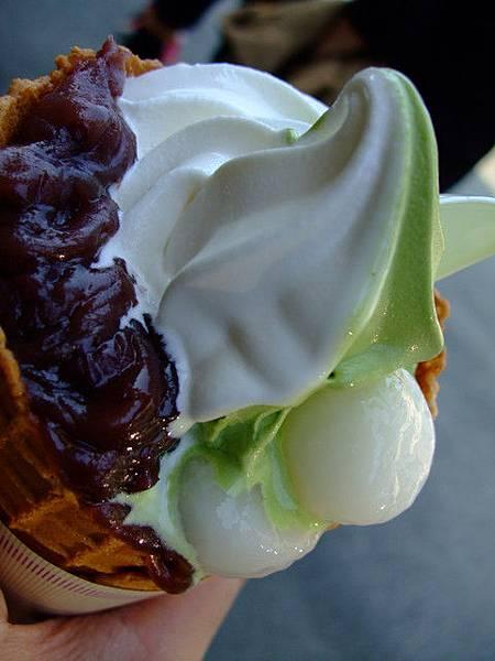 香草+抹茶冰淇淋 紅豆跟白玉糰子 讚讚讚