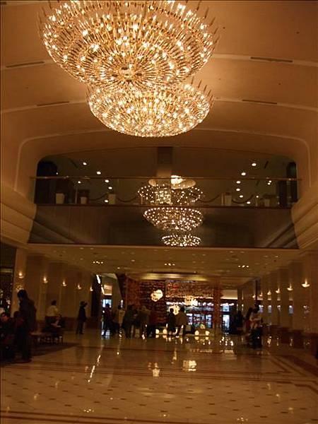 京王lobby 很豪華氣派