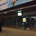 成田機場隻大 有接駁車會帶你到登機門
