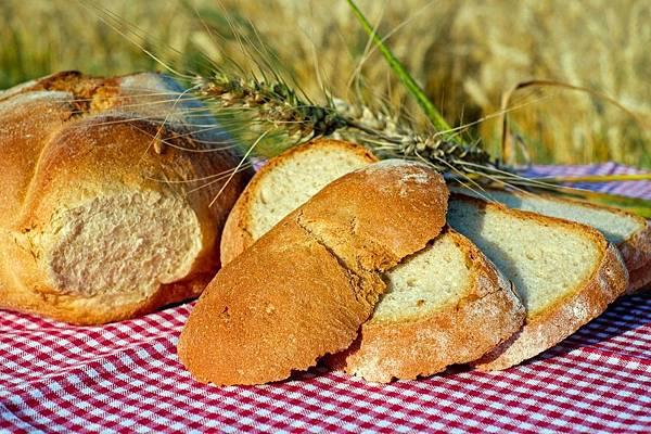 bread-2482703_1280-1024x682.jpg