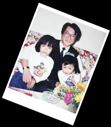 張芸京小時候穿小虎隊的衣服
