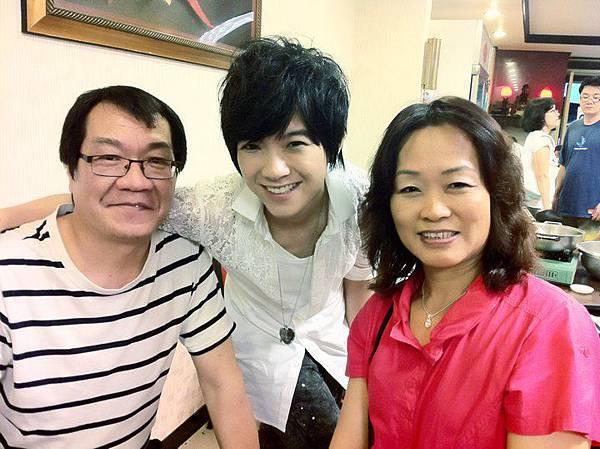 張芸京的爸爸媽媽