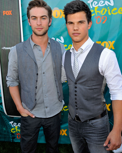 chace_crawford_taylor_lautner.jpg