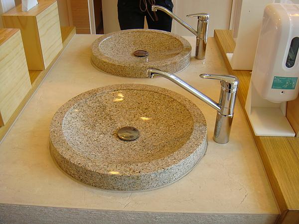 很讚的洗手檯吧!