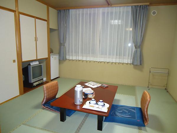 房間的起居室‧旅館《雅亭》‧登別