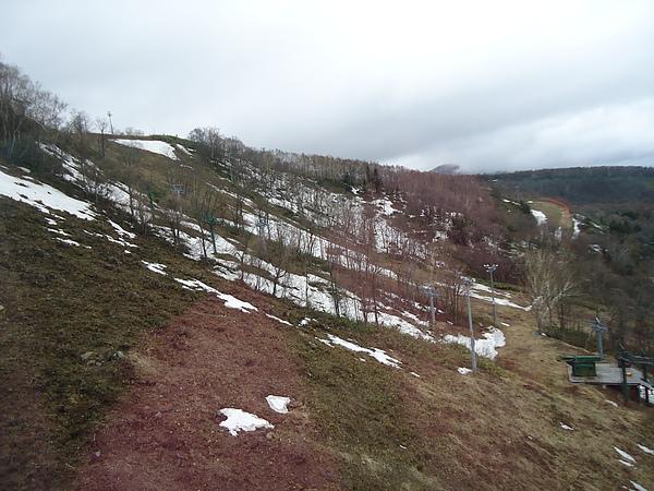 未完全溶雪的滑雪道‧天狗山‧小樽