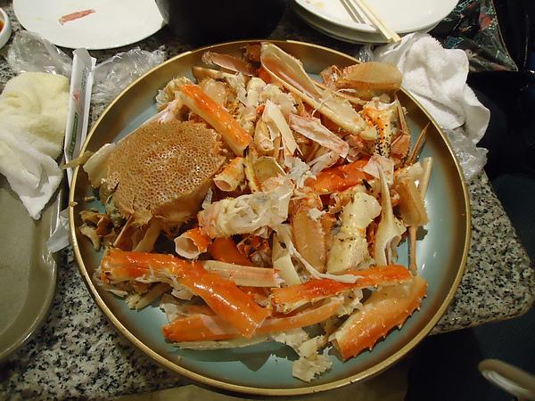 只剩下一堆殼的螃蟹