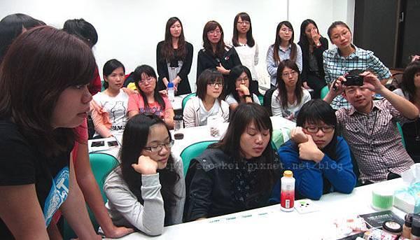 政大彩妝社的同學們
