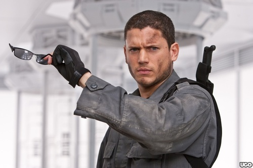 500x_re4-wentworth-miller_wm