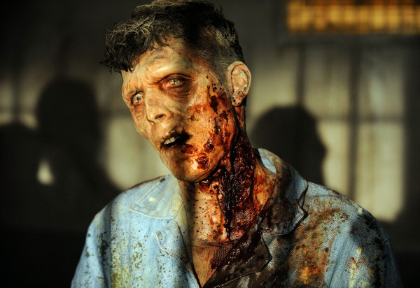 The-Walking-Dead-57-zombie-600x412