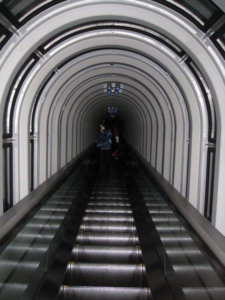 高樓層手扶梯
