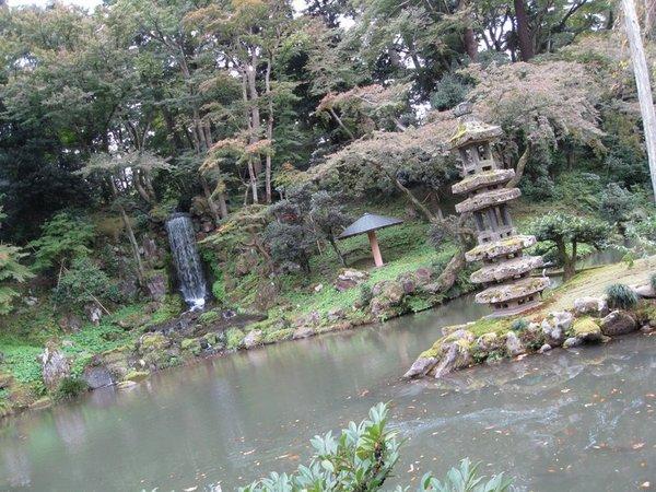 海石塔、瓢池、翠瀑布