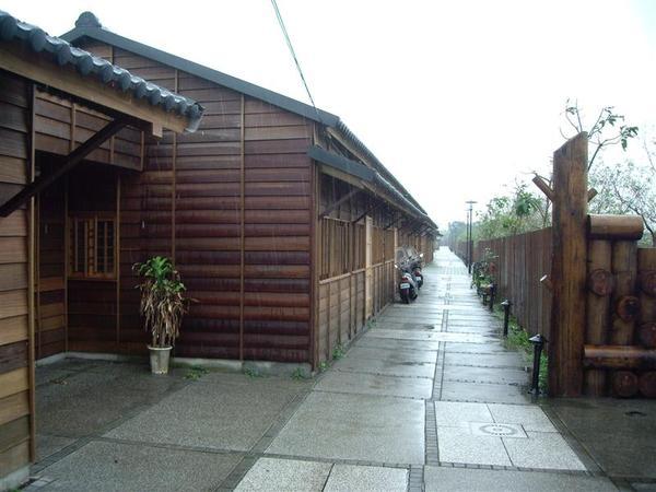 林場木造平房