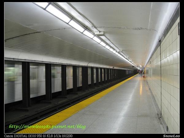 多倫多地鐵月台