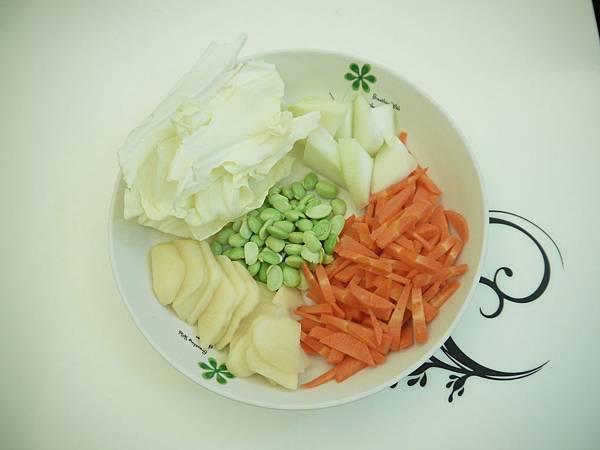 馬鈴薯毛豆高麗菜紅蘿蔔「瓠瓜」豬肉米泥