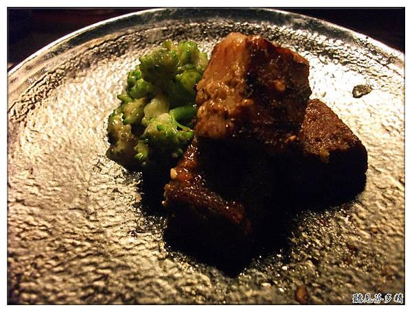 肉和花椰菜