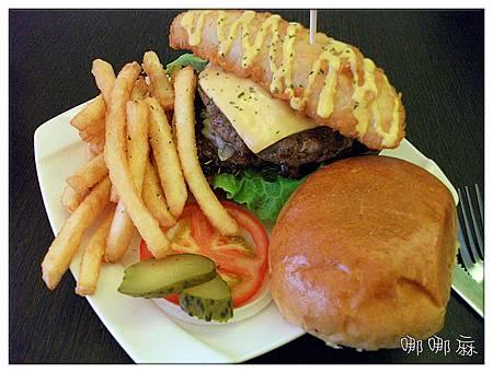 豪華三層漢堡