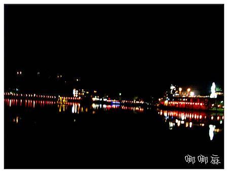菩薩像夜景