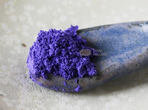 YL-08 violet 135元 20g 含罐跟小湯匙