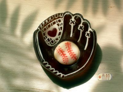 S-035 棒球手套 300 元