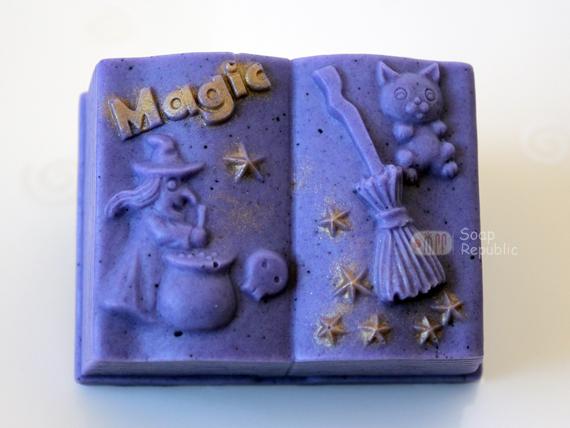 magic book-3.jpg
