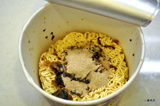 統一老壇酸菜牛肉麵(粉)
