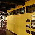 郵局裡面2:信箱和走廊