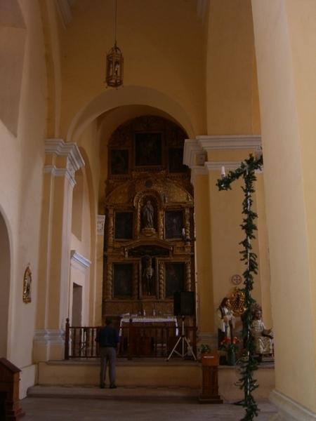 大堂左側龕