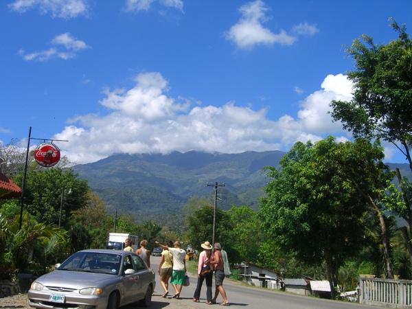 回頭照Los Naranjos村