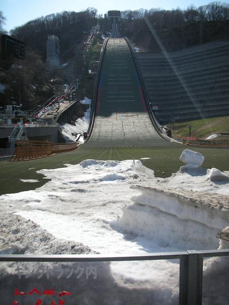 冬天的時候這裡可是個滑雪場呢!