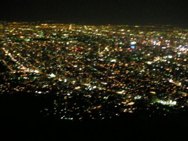 美麗的山上夜景~~