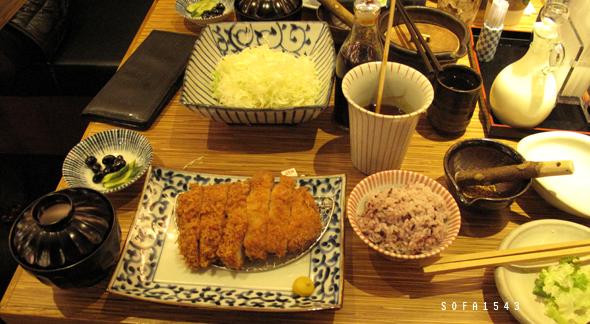 統一阪急杏子日式豬排-TORO里肌-豬排太濕